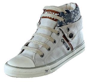 Ein Schuh 2 Styles durch den umklappbaren Schaft